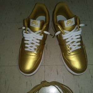 Metallic Gold Nike Air Force 1